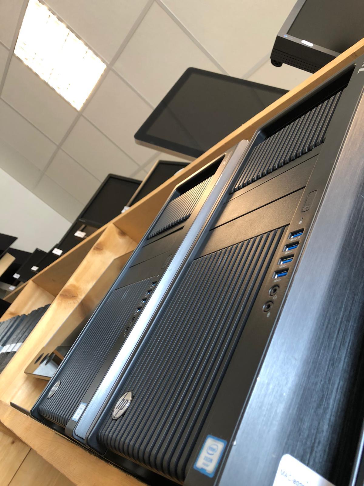 Vind een refurbished workstation die bij jou past op DubbelGaaf.nl.